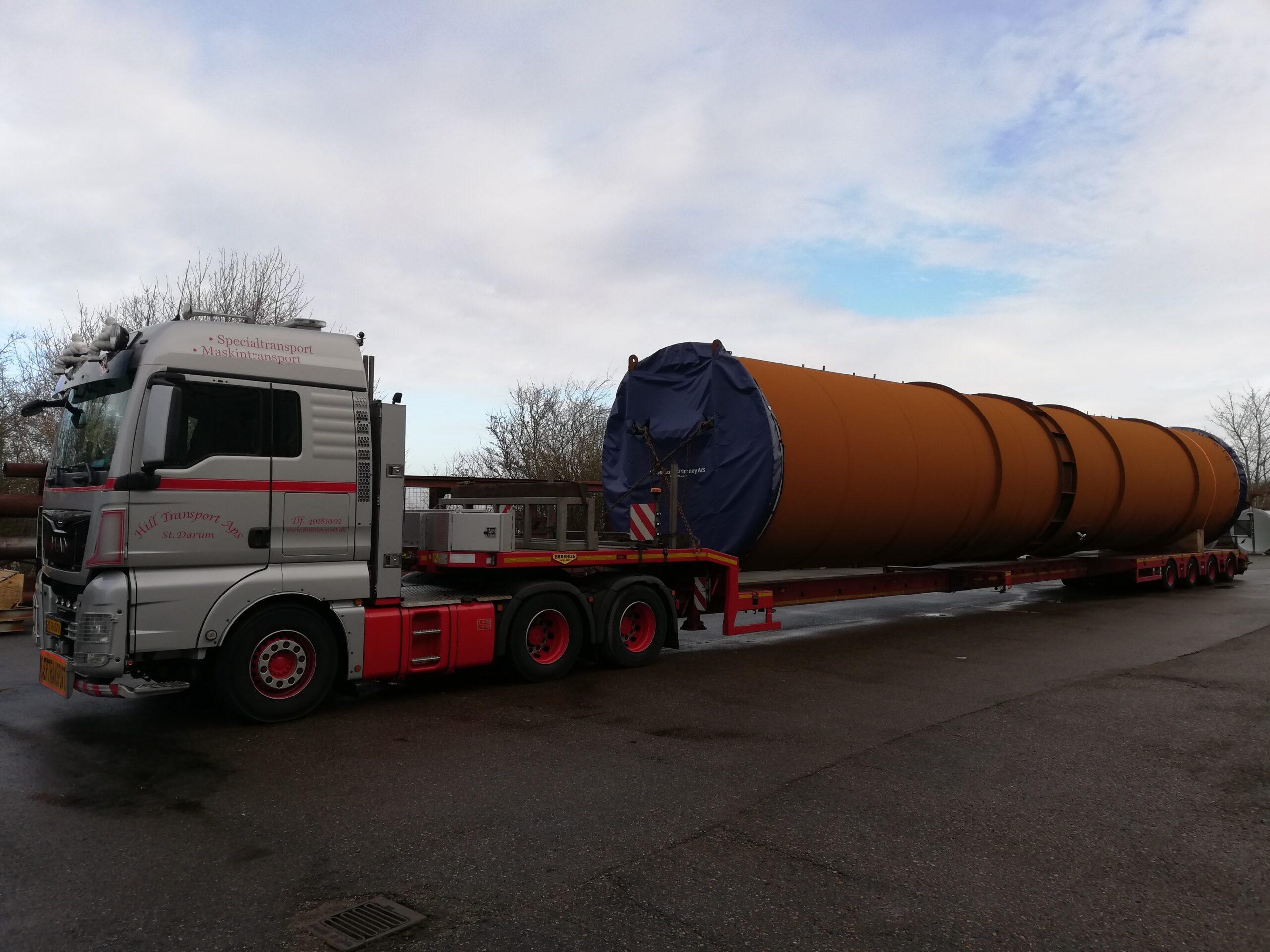 Skorsten transporteres til Hamborg og videre til Chile